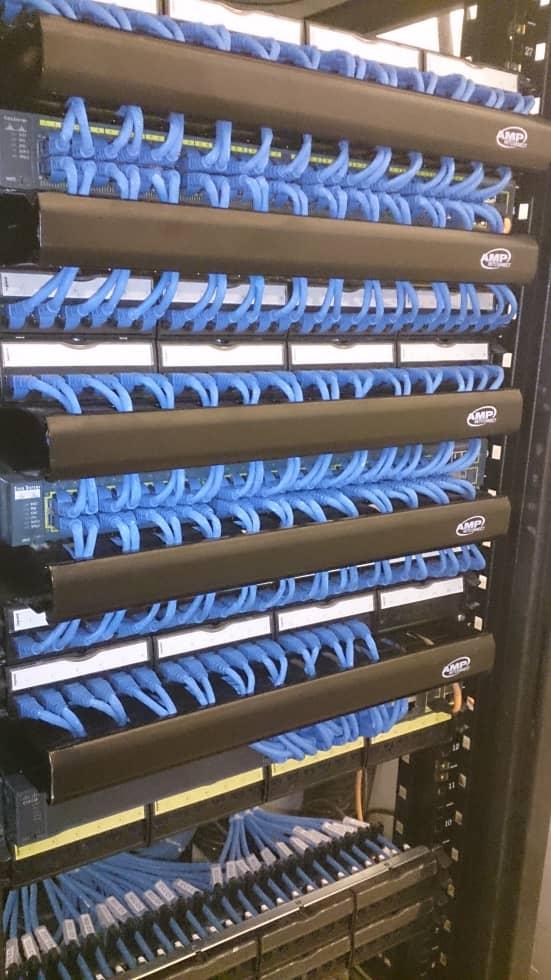 شرکت خدمات شبکه های کیمپیوتری